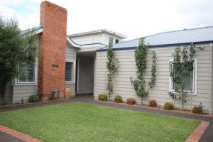 Cliff Cottage Mornington Peninsula award winning Renovation built by Farm Houses of Australia