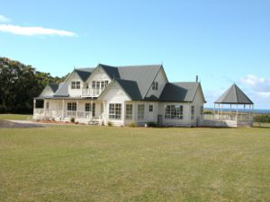 Inverloch - The best of country and beach living built by Farm Houses of Australia