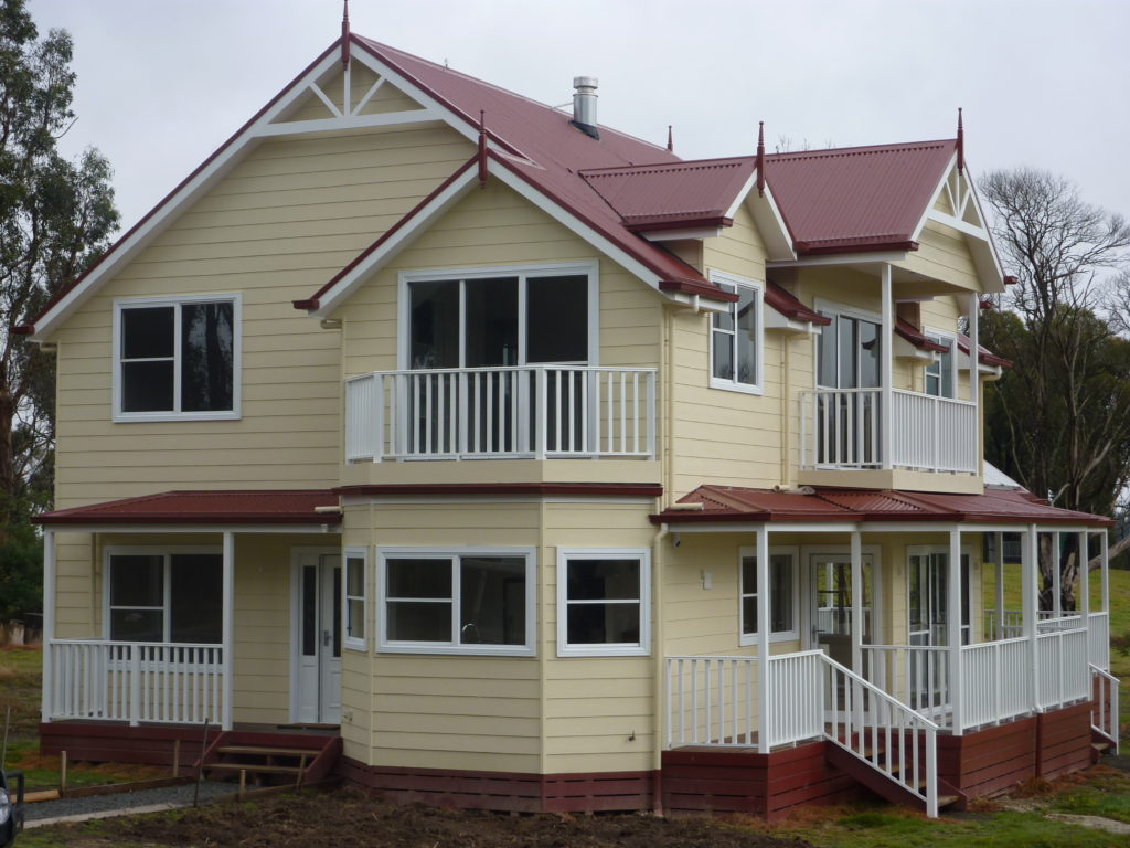Kinglake - Bushfire re-build award winning home built by Farm Houses of Australia