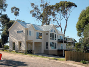 Metung - Coastal beach home built by Farm Houses of Australia